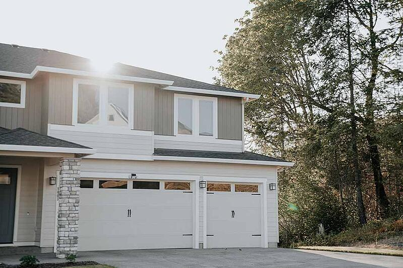 2-Exterior-of-home-for-sale-at-sunset